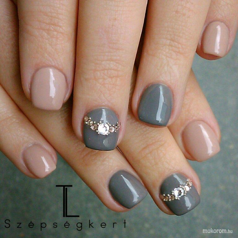 Nude n grey - műköröm minta, műköröm minták
