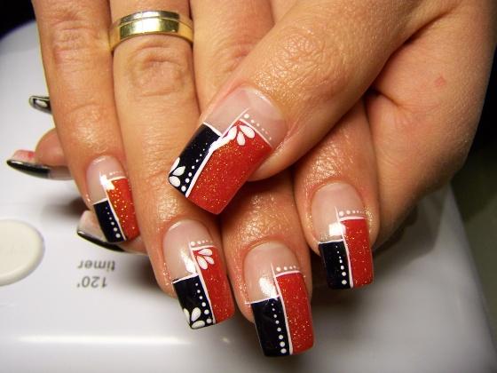 Mánfai Eszter - Fekete-piros kicsit pókeres hatású nekem - 2010-03-11 09:08
