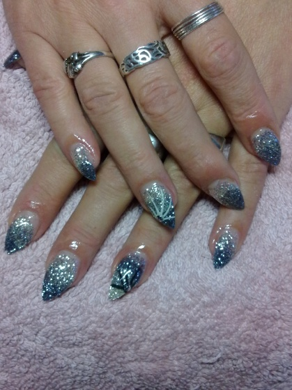 Andincia Nails, - . - 2010-12-08 15:08