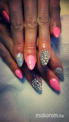 Andrásik Zsófia - new year nails - 2015-01-04 19:16