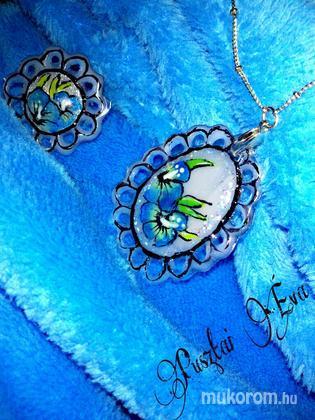 Pusztai Éva - zseléből gyűrű medállal - 2015-01-26 23:29
