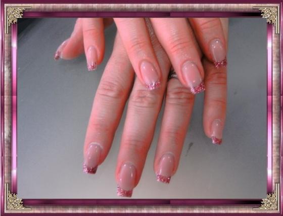 Györené Csertán Gyöngyi - Pink Cadillac Professional Nails Körömszalon - Györené Csertán Gyönygi - 2009-07-20 12:36