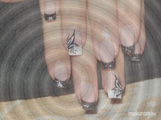 Baráth Elvíra - Fekete minta - 2011-01-11 20:22