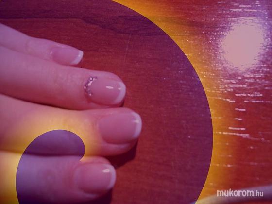 Baráth Elvíra - A rövid köröm is lehet szép - 2011-01-11 20:23