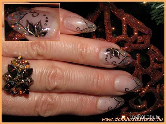 Adrienne - arany fekete díszítéssel - 2011-01-18 11:10