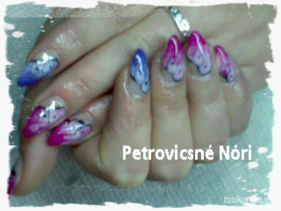 Petrovicsné  Nóri - pillangómintás a lányomnak - 2011-01-19 10:43
