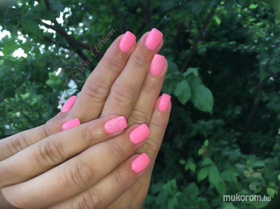 Rózaszín - Zselés műköröm képek