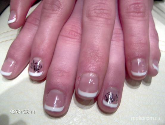 Vadi Barbara Perla Szépségszalon - Manicure tip - 2011-02-03 10:16