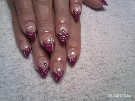 Lili Nails Nottingham - akrillal díszített - 2011-02-16 20:31