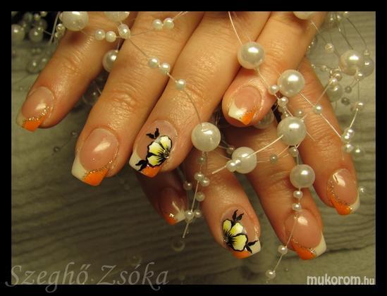 Szeghő Zsóka - narancs és fehér - 2011-02-16 20:48