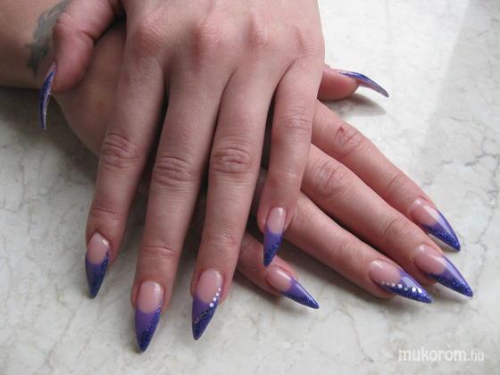 Szűcs Viktória - lila csillogó - 2011-02-17 14:50
