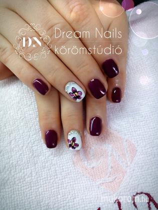 Dream Nails Körömstúdió - Pici virág - 2017-12-07 00:40