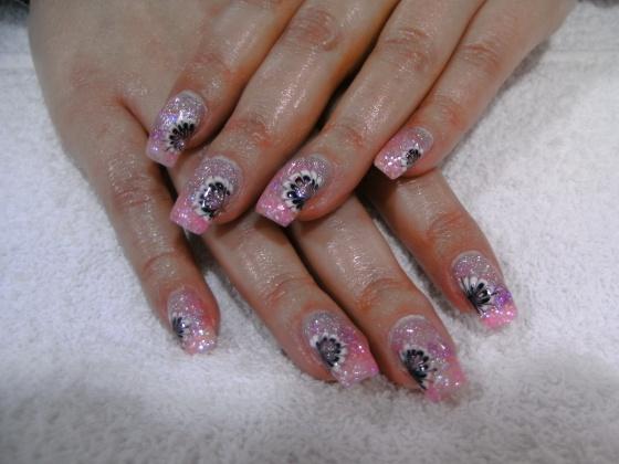 Györené Csertán Gyöngyi - Pink Cadillac Professional Nails Körömszalon - Györené Csertán Gyönygi - 2009-07-20 12:50