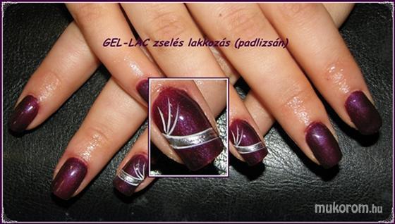 Adrienne - Zselés gel lakkozás - 2011-02-27 19:12