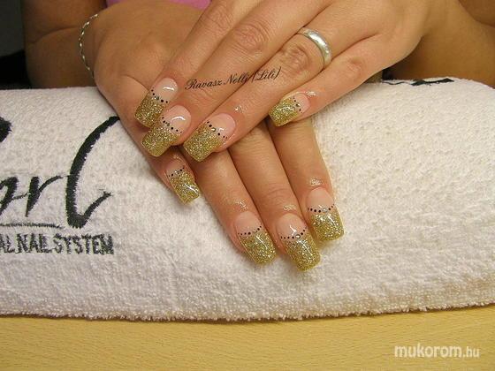 Lili Nails Nottingham - zselével díszített - 2011-02-27 20:27