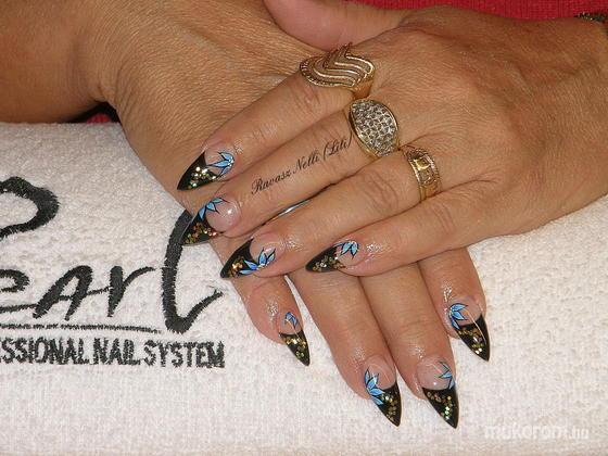 Lili Nails Nottingham - akrillal díszített - 2011-02-27 20:36