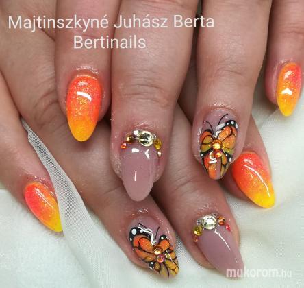 Majtinszkyné Juhász Berta - Akril festés - 2018-05-23 18:38