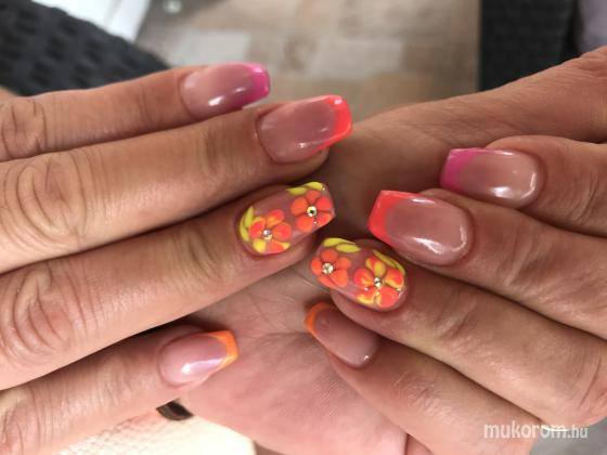 Cs.NailArt - Nyár - 2018-07-07 15:13