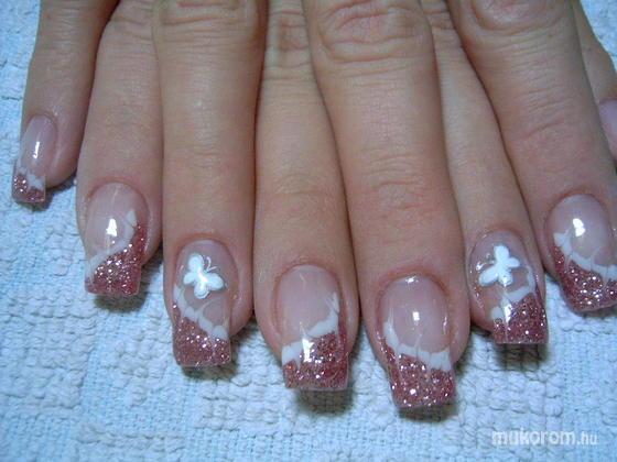 Fehér Brigitta - pillangós - 2011-03-07 17:37