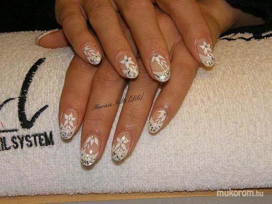 Lili Nails Nottingham - akrillal díszített - 2011-03-10 22:24