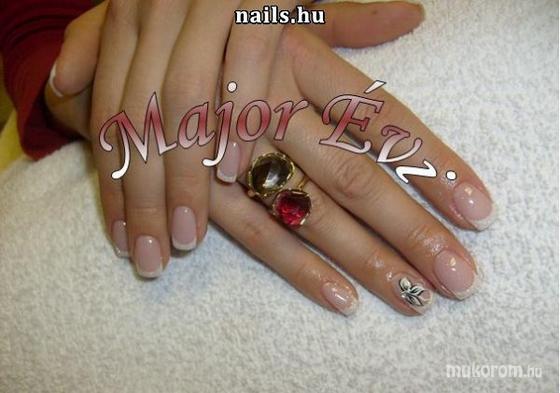 Major Éva - Major Évi Vénusz Szépségszalon - 2011-03-11 13:33