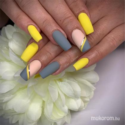 Kiss Adrienn - Yellownails - 2019-09-13 21:48