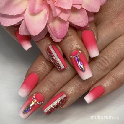 Kiss Adrienn - Ombre nails  - 2019-11-09 18:45