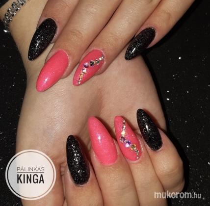 Pálinkás Kinga - Neon pink és fekete - 2020-03-26 10:47