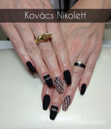Kovács Nikolett Katalin - Matt fekete  - 2020-05-23 13:23