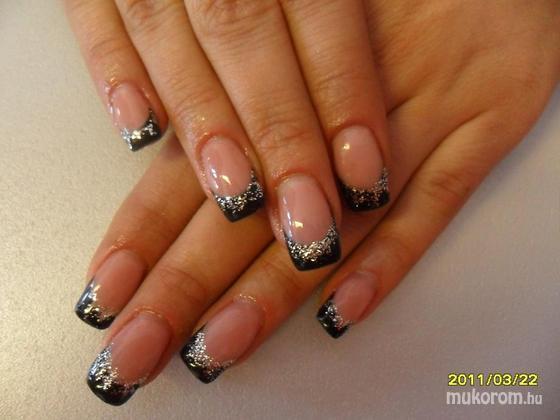 Gál Melinda - Egyszerű fekete - 2011-03-24 06:39