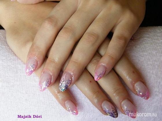 Majzik Dóra - Lila rózsaszín - 2011-03-31 10:57