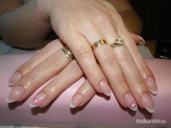 Karsai Barbara  - Ágikának rózsaszín pillangó tavaszra - 2011-04-01 14:30
