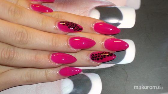 Szabó Anita Nitus - Pink párducos - 2011-04-05 20:54