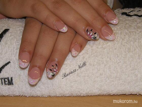 Lili Nails Nottingham - akrillal díszített - 2011-04-18 16:51