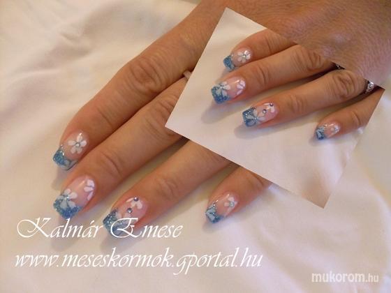 Kalmár Emese - kék csillámos - 2011-04-19 22:52
