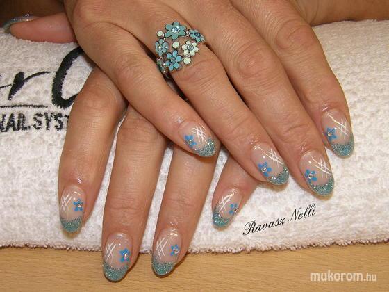 Lili Nails Nottingham - akrillal díszített - 2011-04-21 18:33