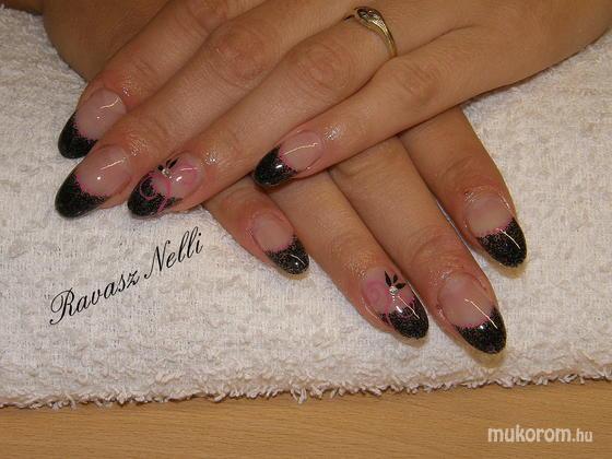 Lili Nails Nottingham - akrillal díszített - 2011-04-22 19:01