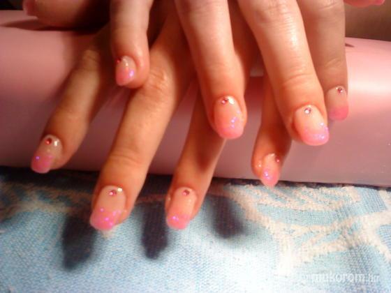Viszokai Bettina - pink csillám - 2011-04-23 11:54
