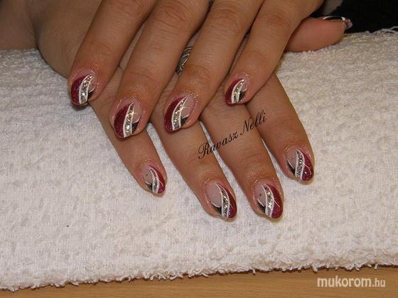 Lili Nails Nottingham - zselével díszített - 2011-05-06 17:15