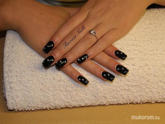 Lili Nails Nottingham - zselével díszített - 2011-05-11 22:22