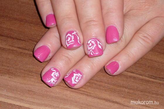 Veszeli Aranka - rózsaszín rózsás - 2011-05-15 20:58