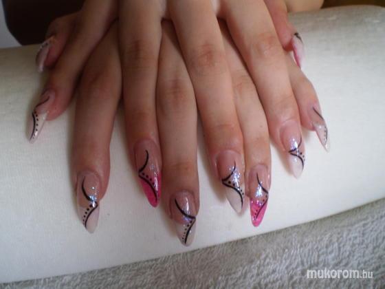 molnár marietta - fehér pink - 2011-05-29 07:29