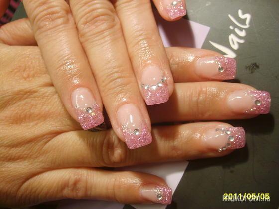 Molnárné Sz, Melinda - francia rózsaszín kövekkel - 2011-06-02 09:26