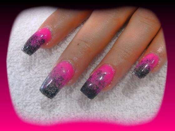 Györené Csertán Gyöngyi - Pink Cadillac Professional Nails Körömszalon - Györené Csertán Gyönygi - 2009-07-20 14:51