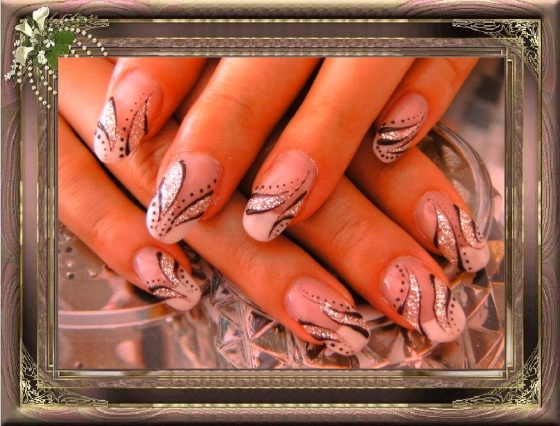 Györené Csertán Gyöngyi - Pink Cadillac Professional Nails Körömszalon - Györené Csertán Gyönygi - 2009-07-20 14:54