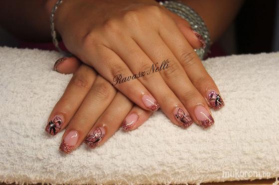 Lili Nails Nottingham - Beépített kütyüs - 2011-06-16 18:28