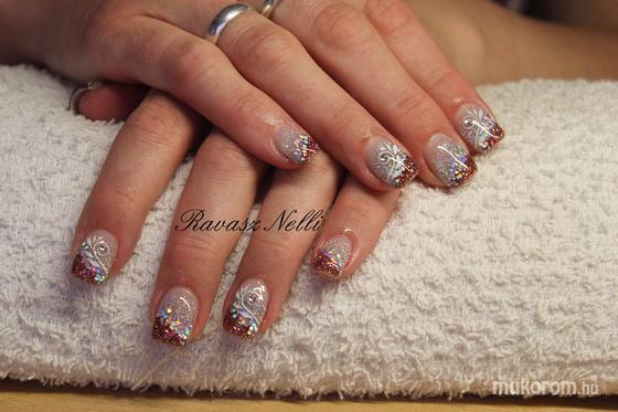 Lili Nails Nottingham - akrillal díszített - 2011-06-16 18:38