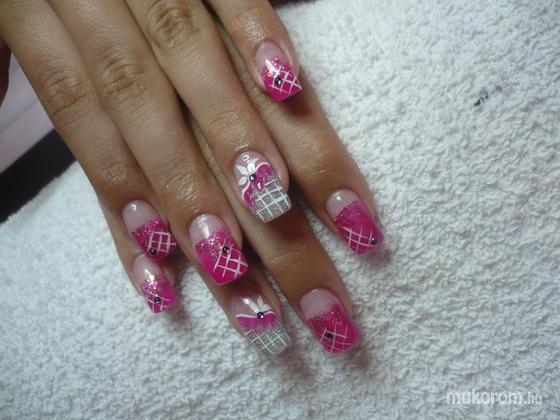 Cserép Kata - rózsaszín fehér - 2011-06-19 19:18