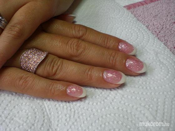 Rózsa Tünde - Csillis rózsaszín fehér franciával - 2011-06-22 21:40