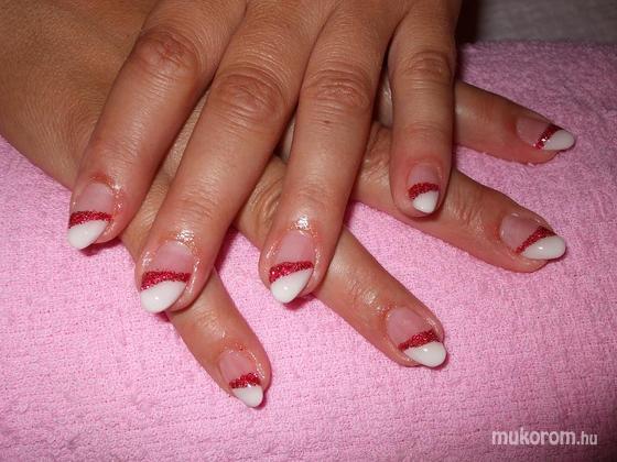 Nagy Cintia - piros fehér hegyes - 2011-07-01 18:35